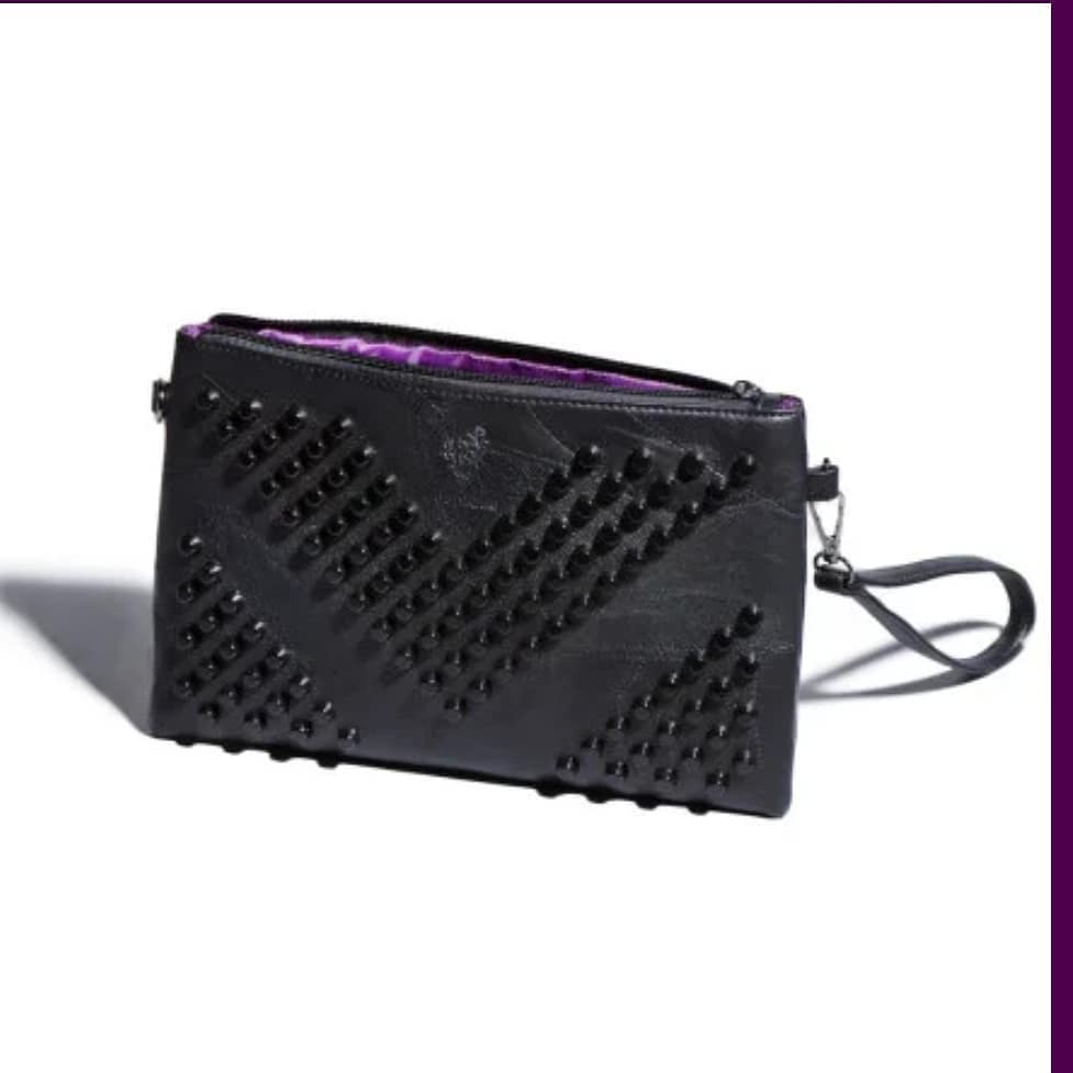 Ive just earned myself this gorgeous clutch bag Love what I do …. Share the love Get p…